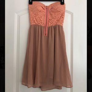 Dresses & Skirts - Coral Short Dress